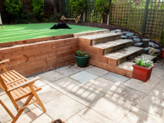 Picture of retaining sleepers