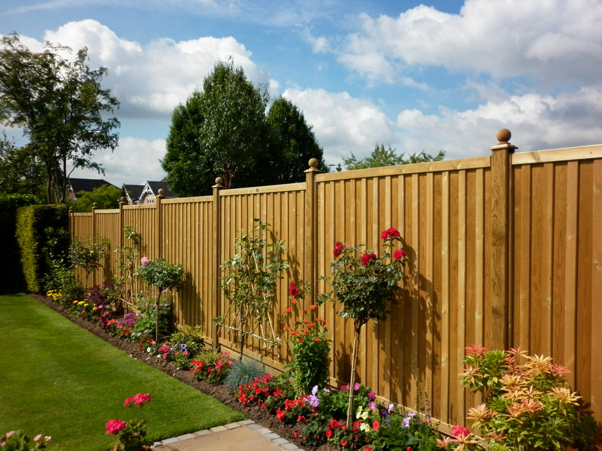 Jacksons-Fencing-Chilham-fence-panels.