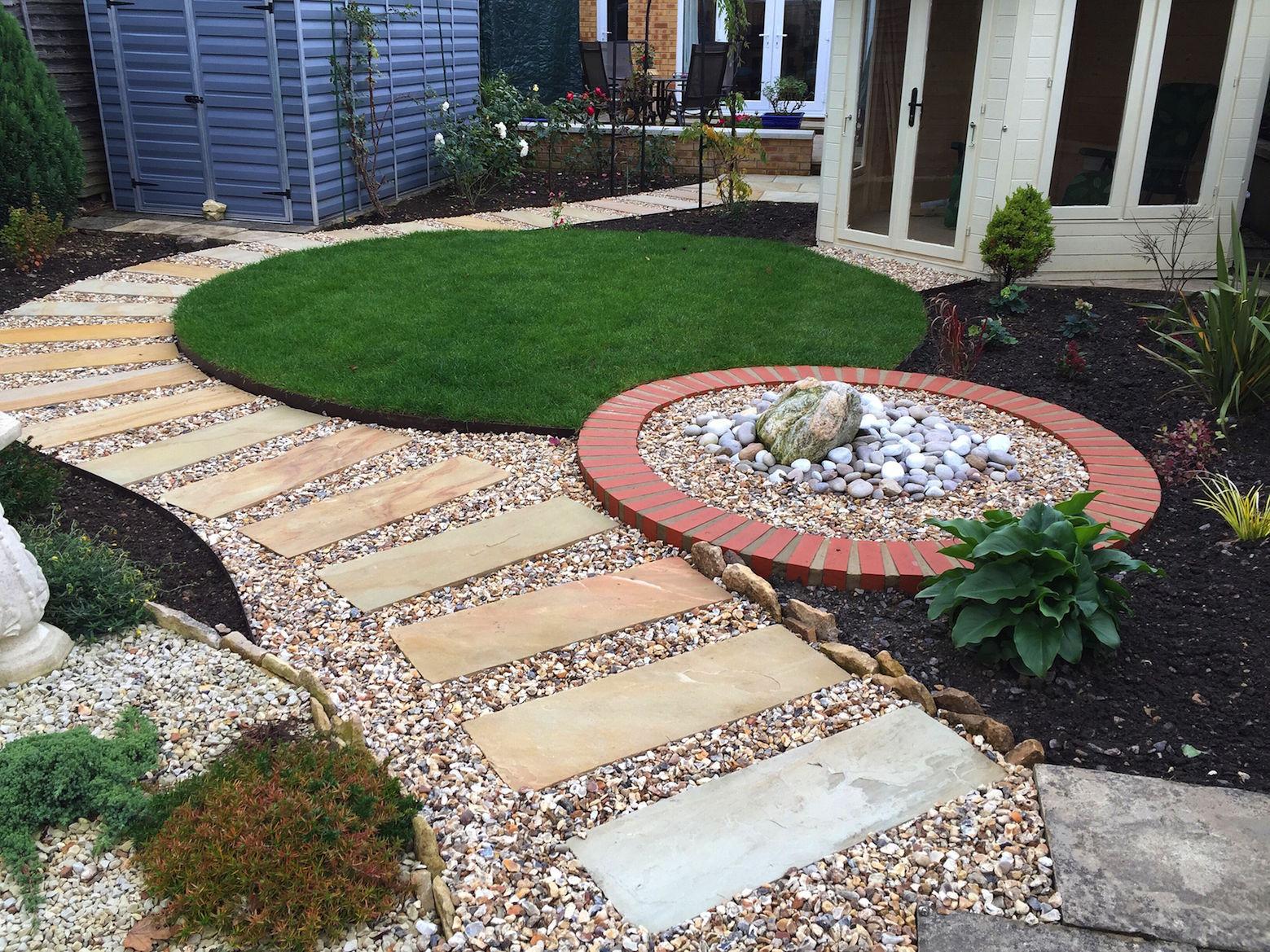 small-landscaped-garden-cheltenham
