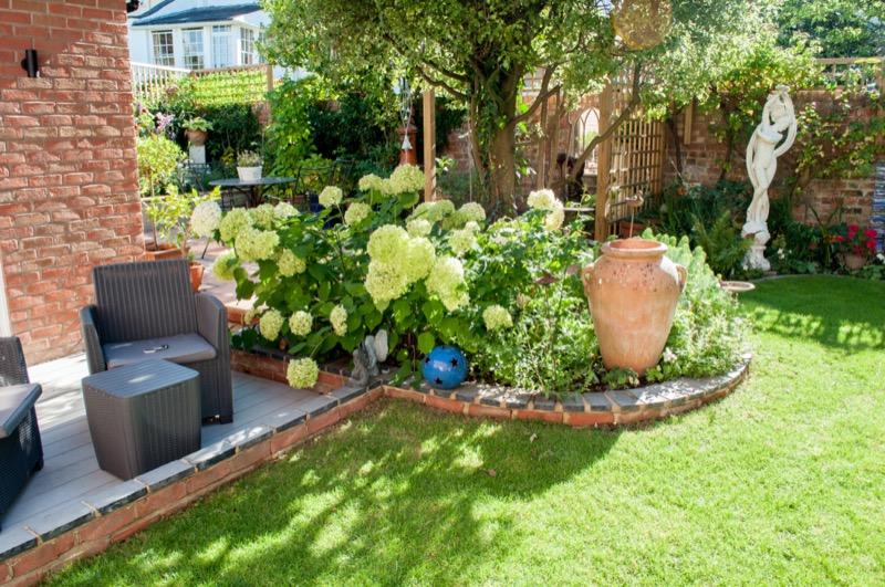 attractive-garden-landscape