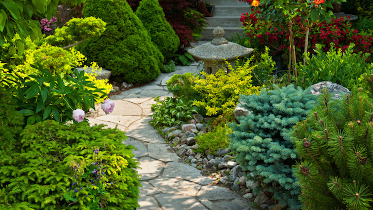 garden-path-with-pavers