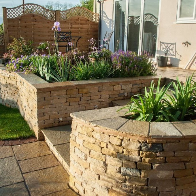 Cotswold Stone Raised Bed